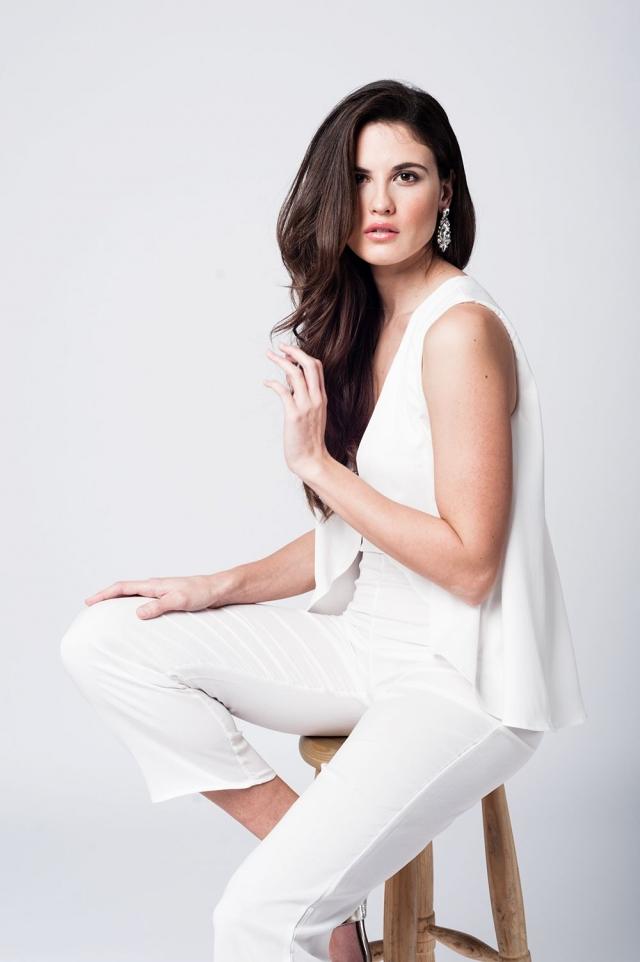Gelaagde witte midi jumpsuit