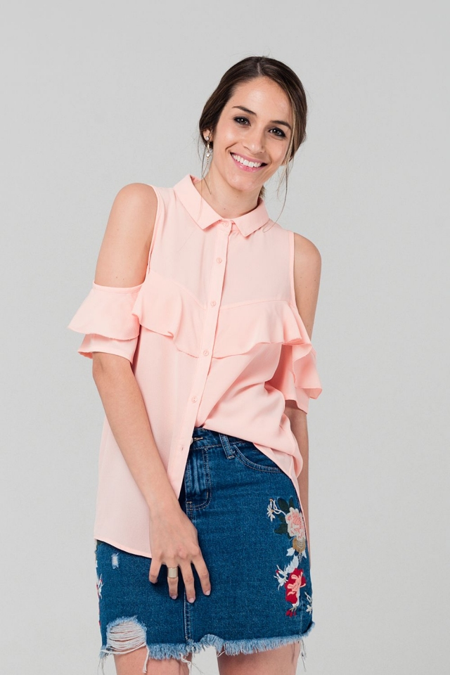 Cold shoulder ruffled shirt in pink