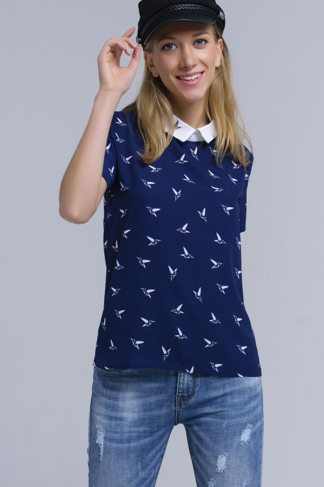 Marineblauw shirt met bedrukte vogels