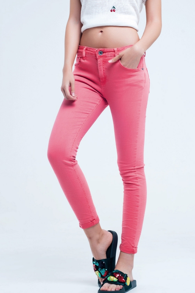 Coral ankle jeans with soft wrinkles