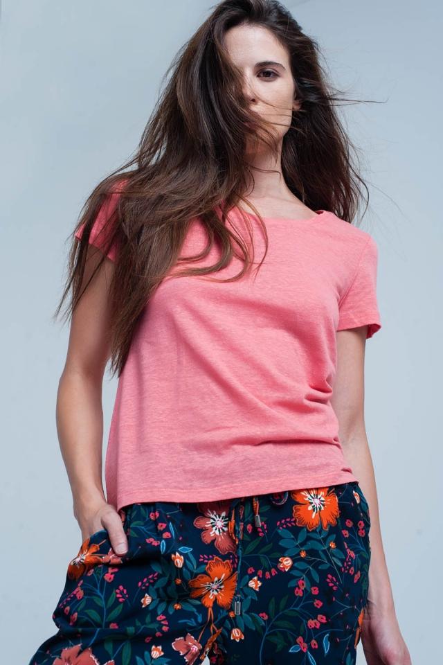 Coral t-shirt met chrochet details op de rug