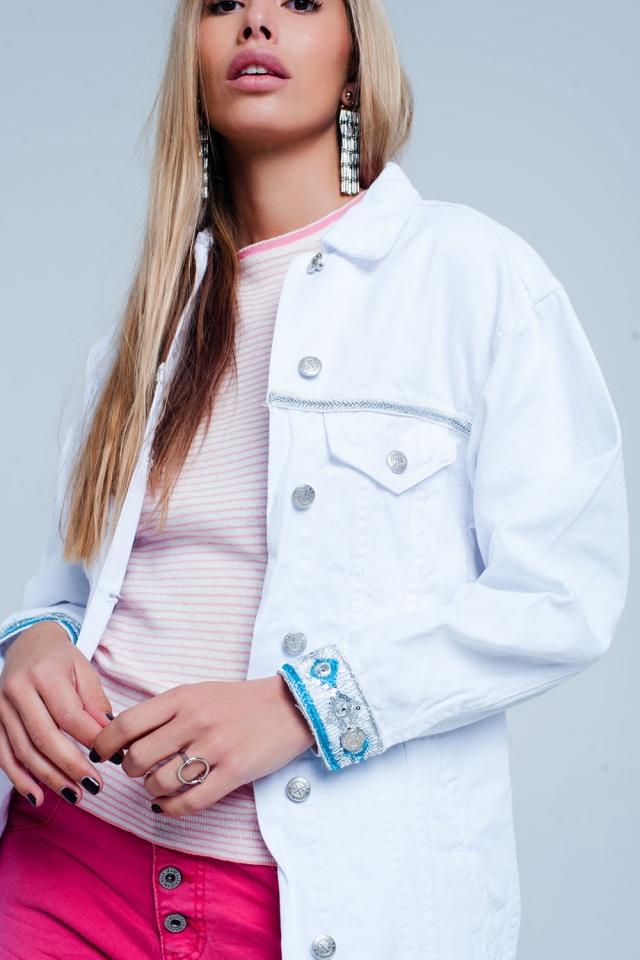 Witte Plus - Girlfriend-fit jack met geborduurd detail op de zoom