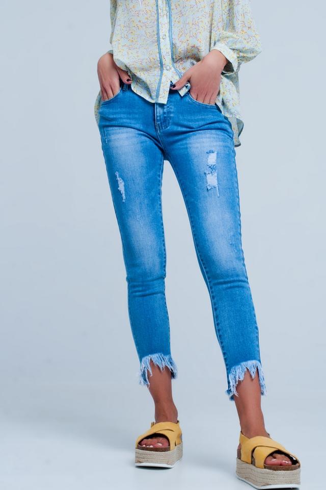 Jeans met gerafelde ongelijke zoom