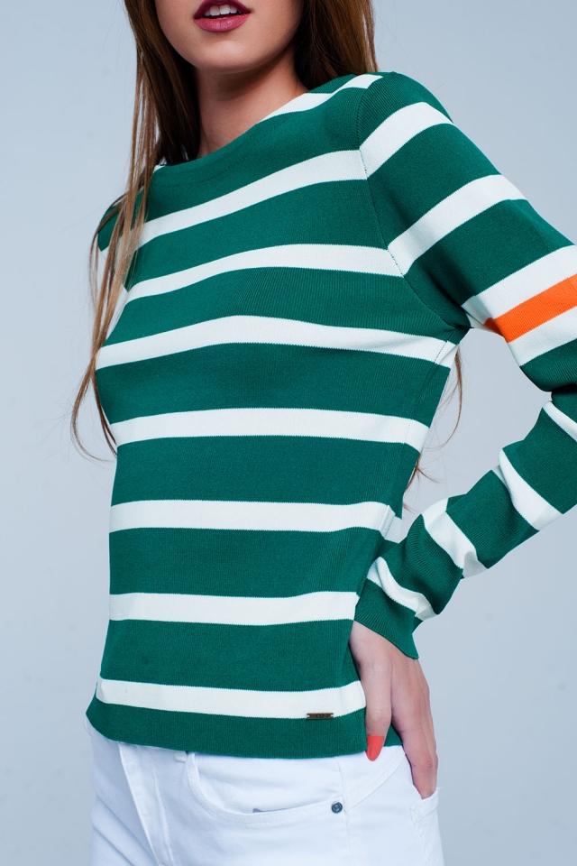 Groene trui met bretonse strepen