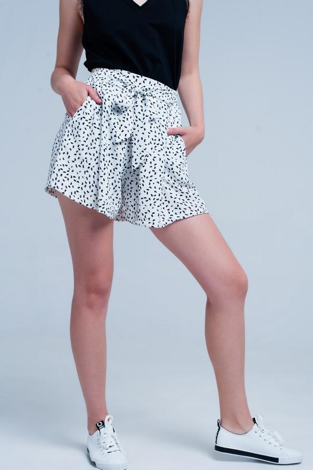 Witte shorts met bloemenprint