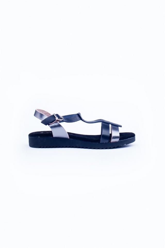 Zwarte dikke platte sandalen