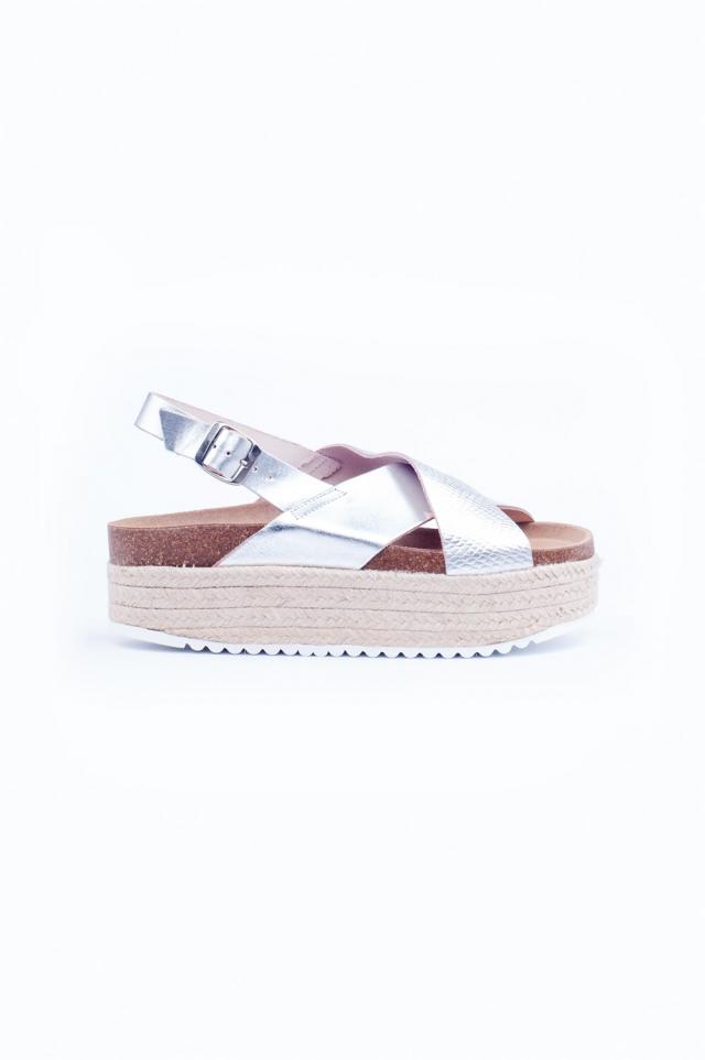 Espadrille sandalen met gekruiste banden in zilver