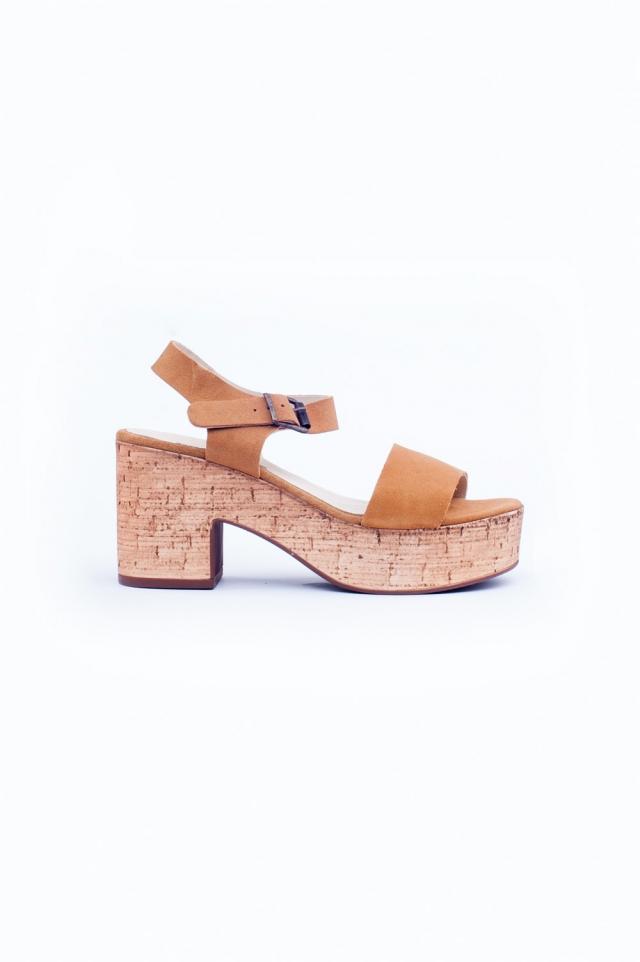 licht bruine sandalen met hak