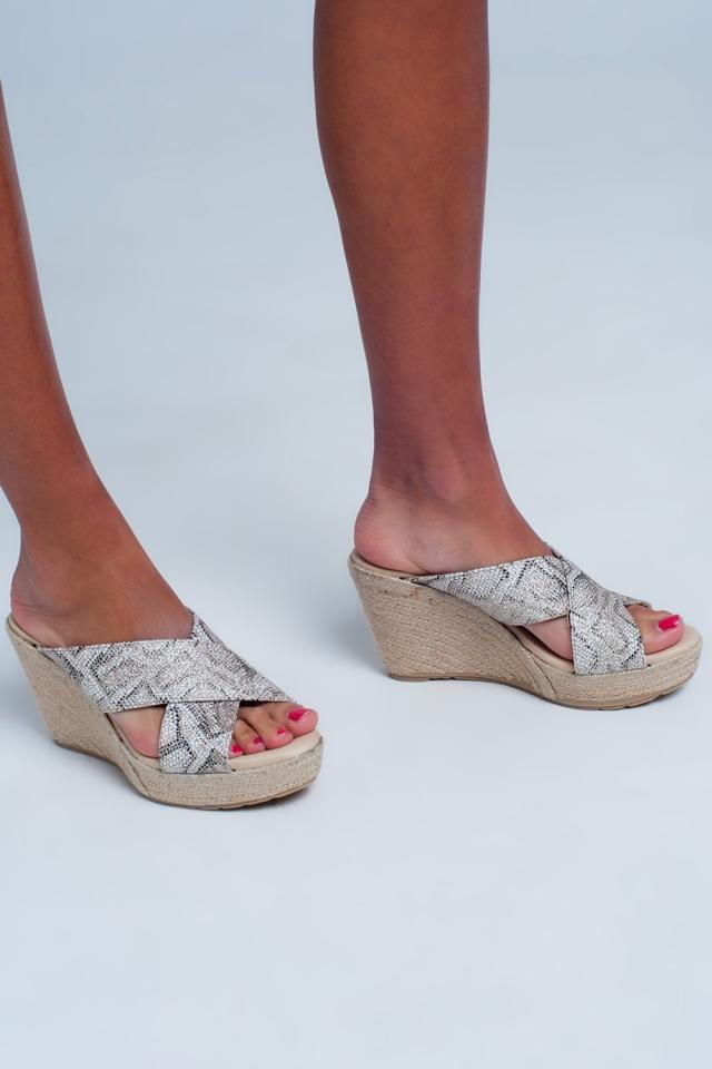 sandalen met kruisbandjes en luipaardprint