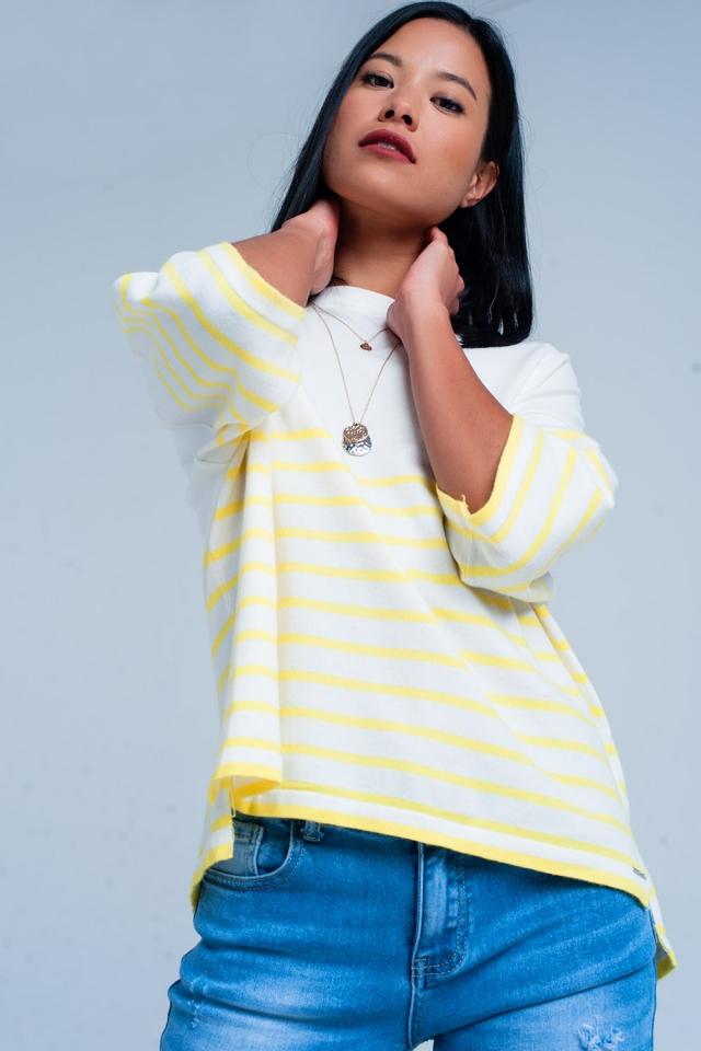 Witte trui met gele strepen