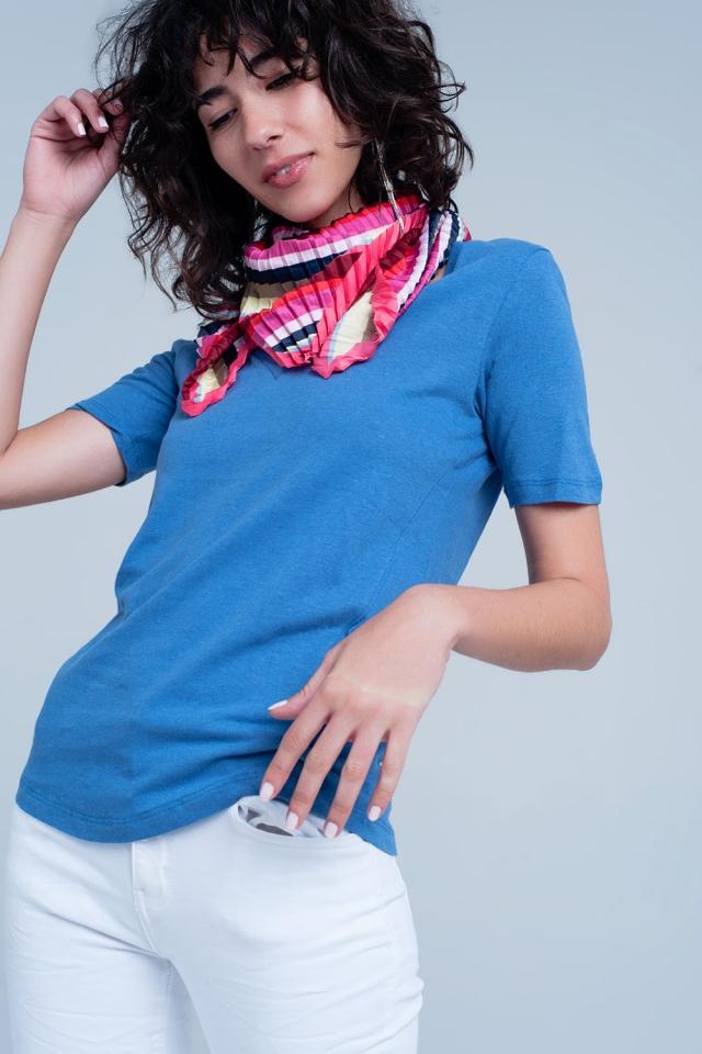 Blauw kleurig t-shirt met v-hals