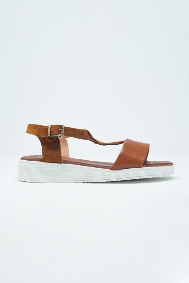 Kameel gekleurde sandalen met meerdere bandjes