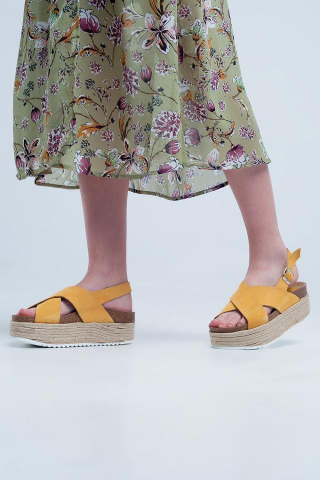 Platform espadrille sandalen in okergele kleur