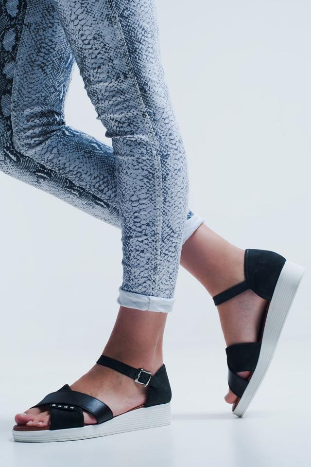 Zwarte sandalen met enkelbevestiging