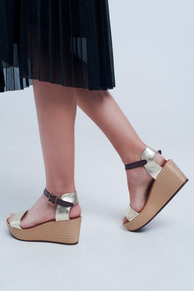 Espadrille strappy wig sandalen in goud