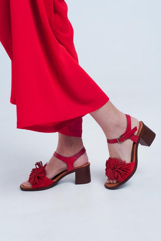 Hak sandalen met ruches in het rood