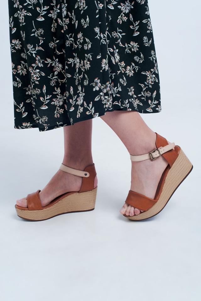 Espadrille strappy wig sandalen in kameel kleur