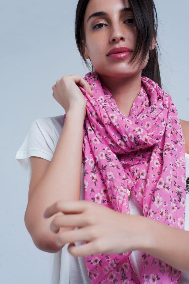 Roze sjaal met bloemenprint