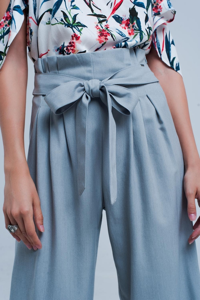 Grijze wijde pijpen broek met plooi detail
