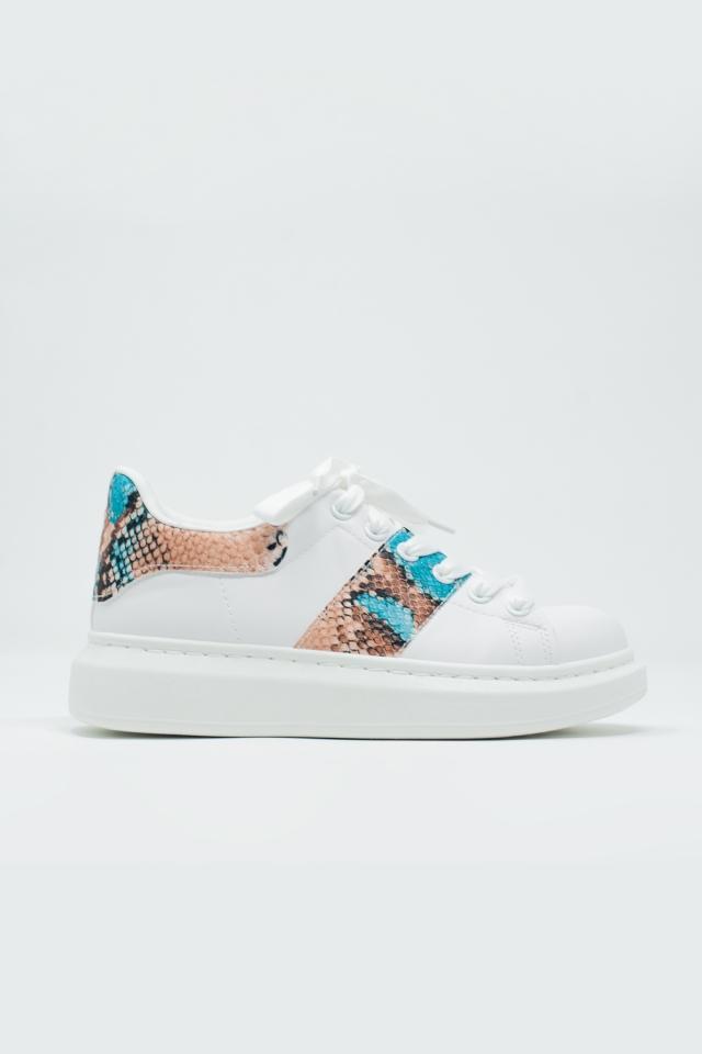 Witte sneakers met slangenprint detail