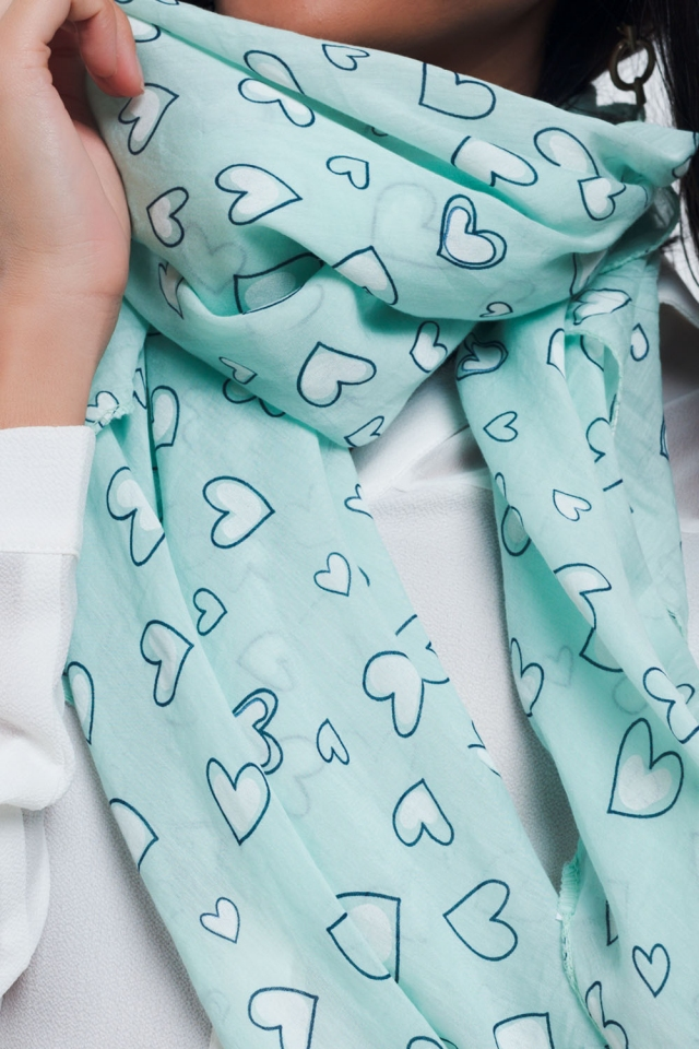 Turquoise sjaal met hartjesprint