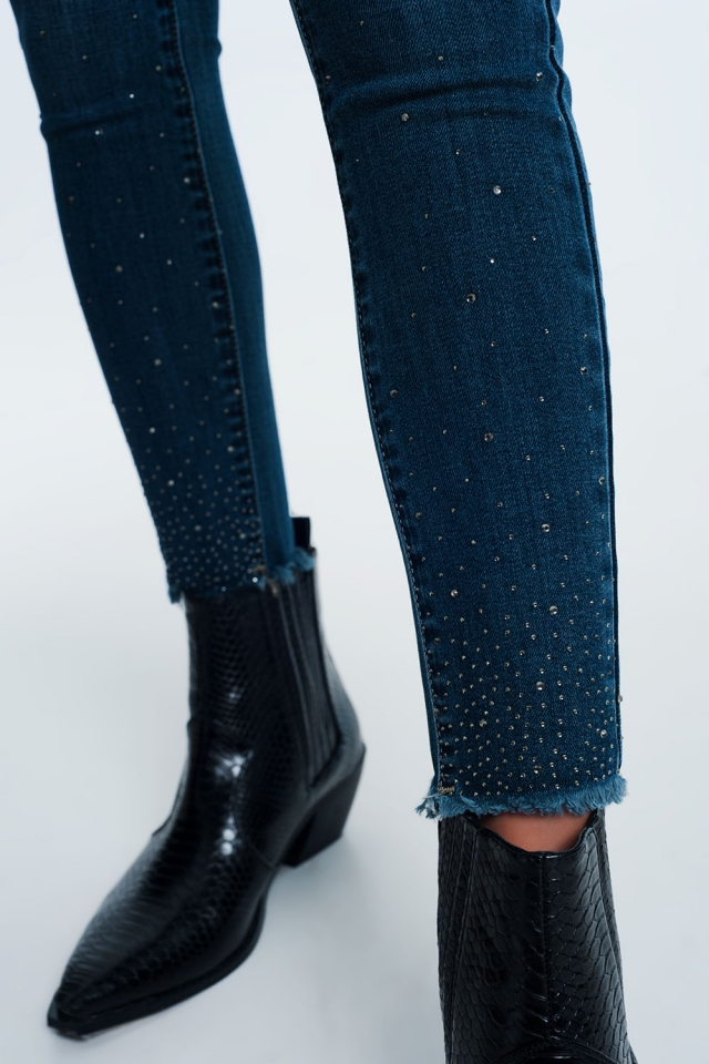 Smalle jeans met hoge taille en siersteentjes