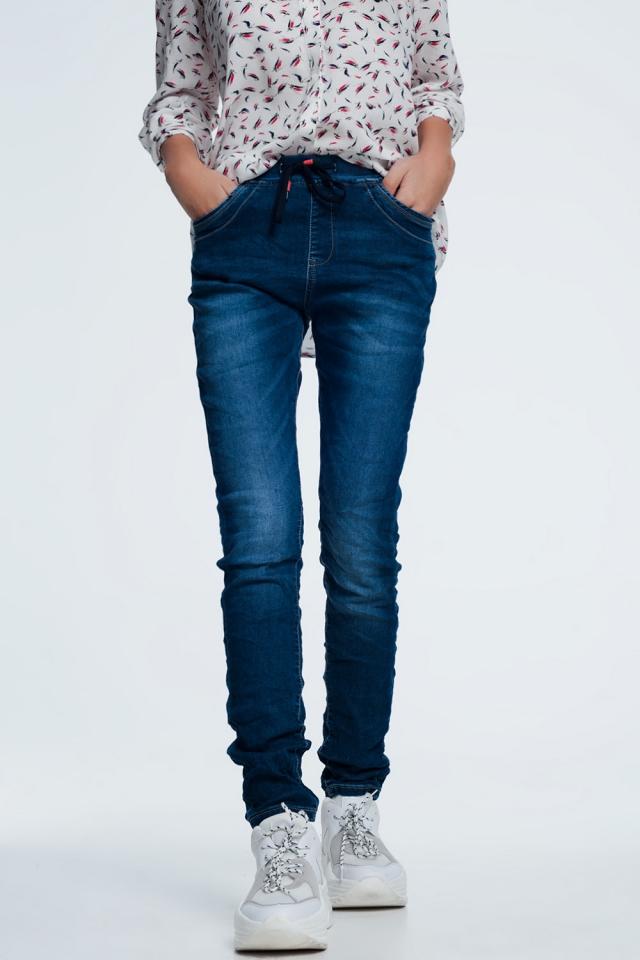 Ruimvallende jeans met trekkoord in blauwe dark wash
