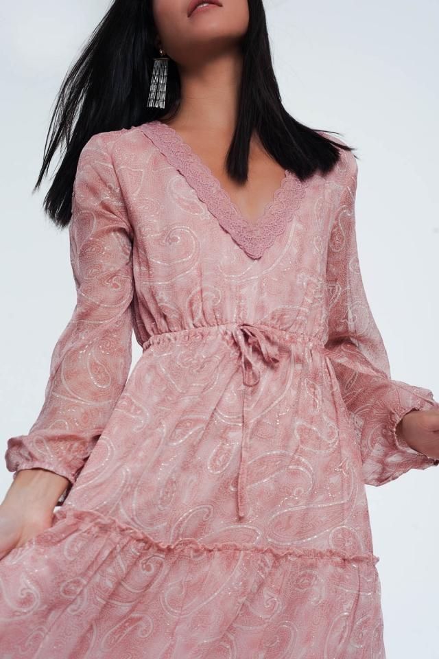 Lange aangerimpelde jurk met volumineuze mouwen en paisleyprint in roze