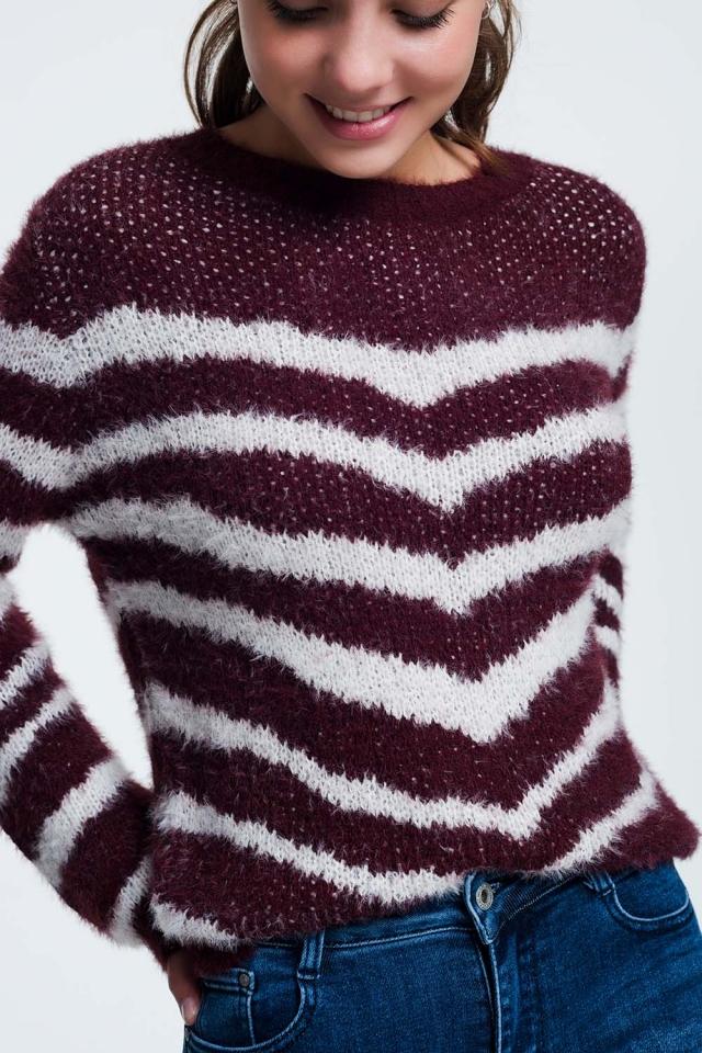 Pluizige trui met strepen