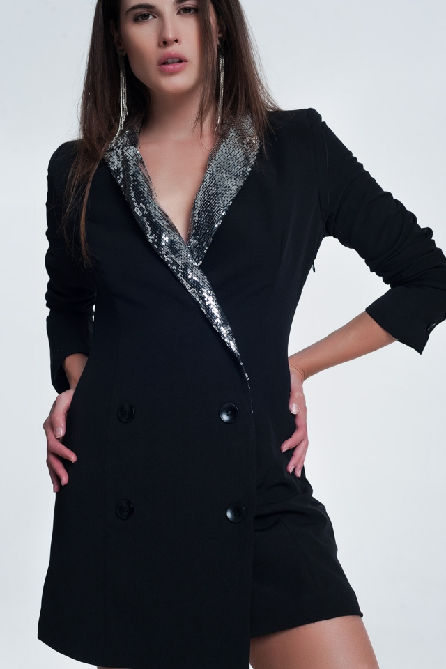 Zwarte mini jurk met glimmende detail bij de kraag