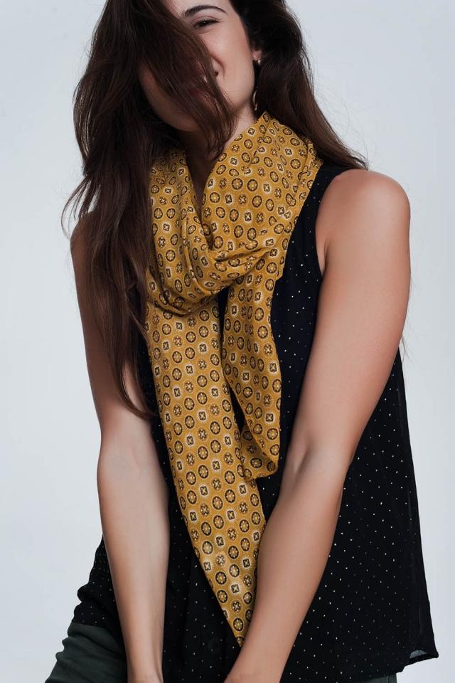 Mostard kleurige sjaal met print van fleurige cirkels