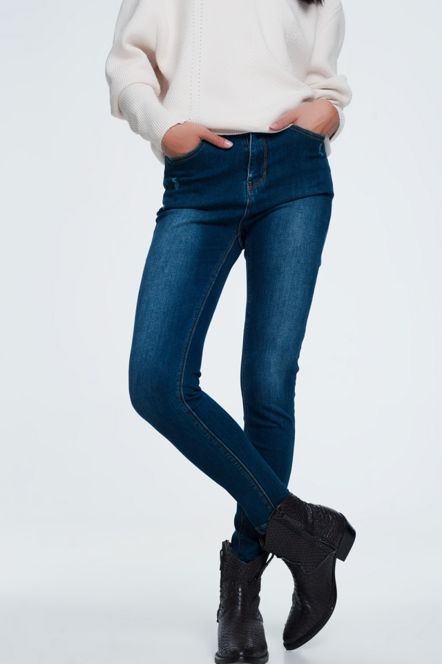 Basic jeans in een donkere wassing