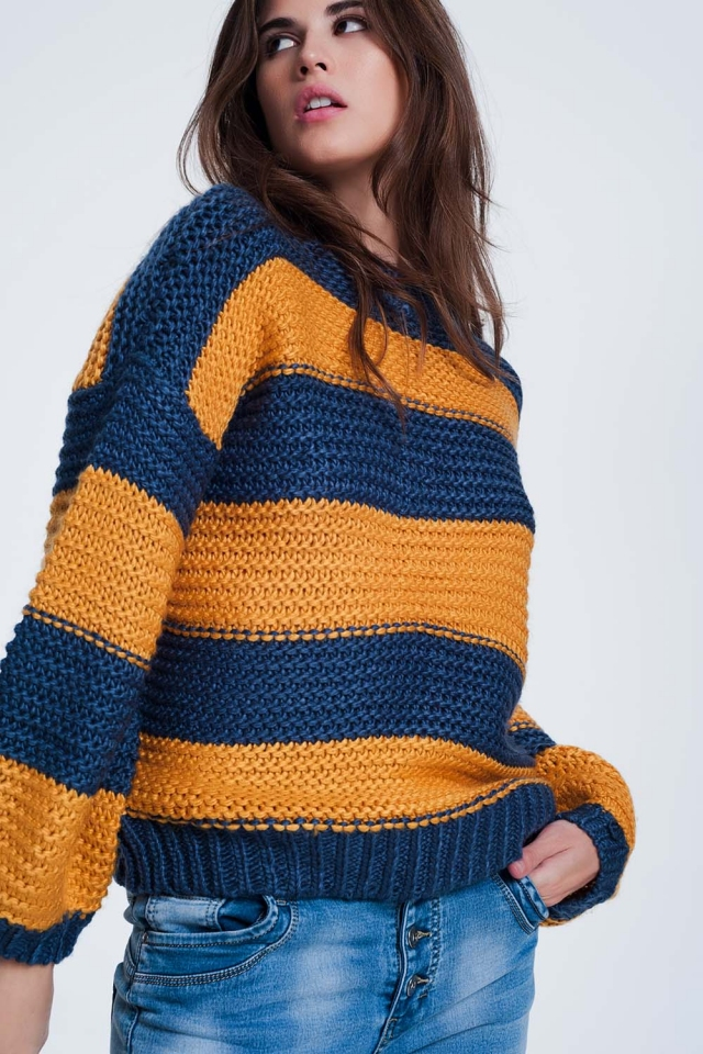 Mostard kleurige trui met strepen