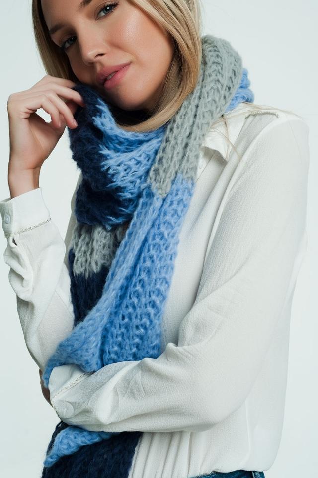 Dikke blauwe sjaal met marine en grijze details