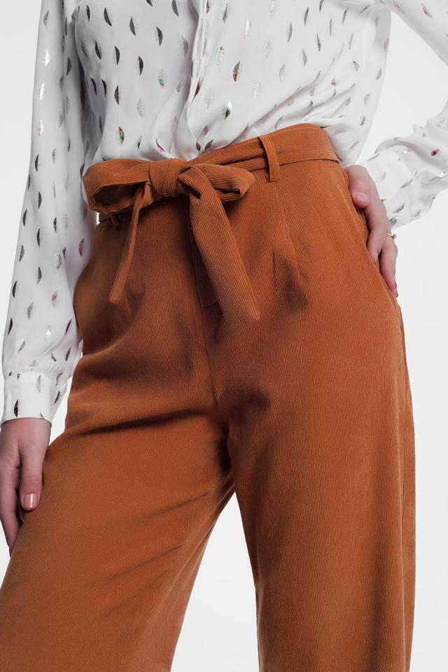 Camelkleurige broek met hoge taille