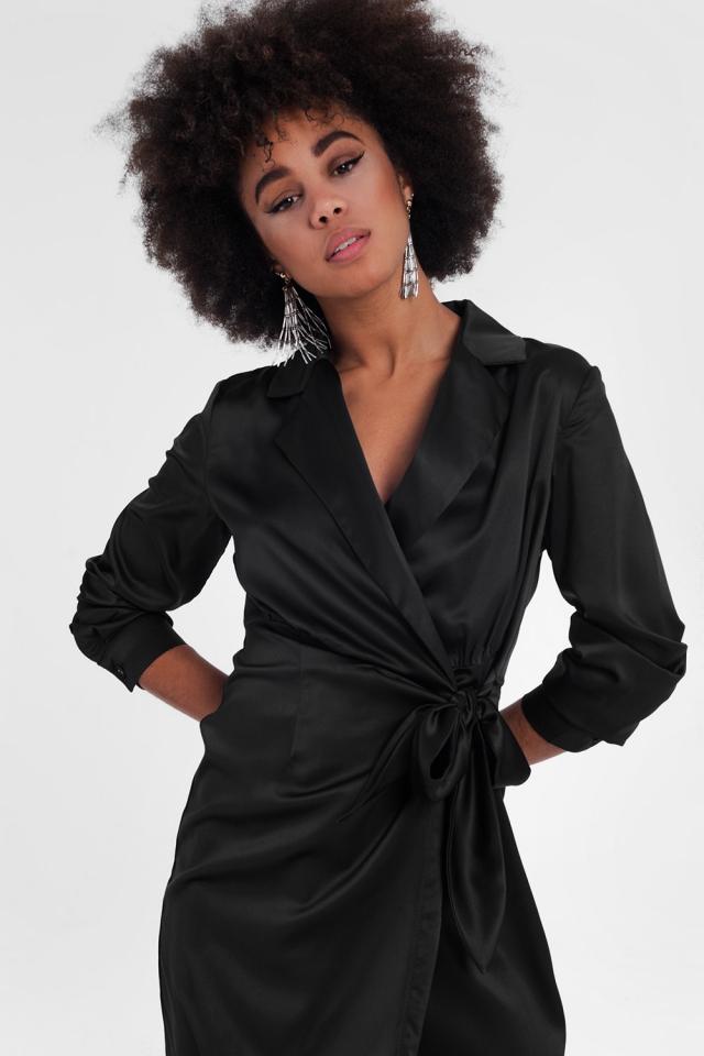 casual mini jurk met een wikkelkraag