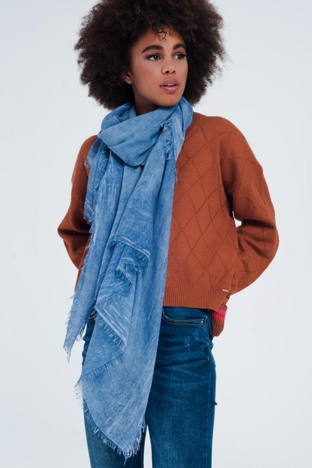 Blauwe sjaal met gedrukte vintage