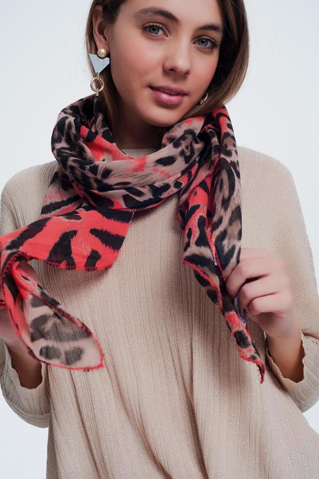 Rode sjaal met tijgerprint