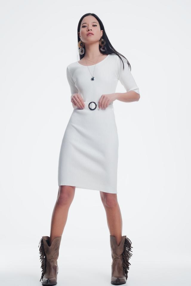 Crème jurk met tailleband