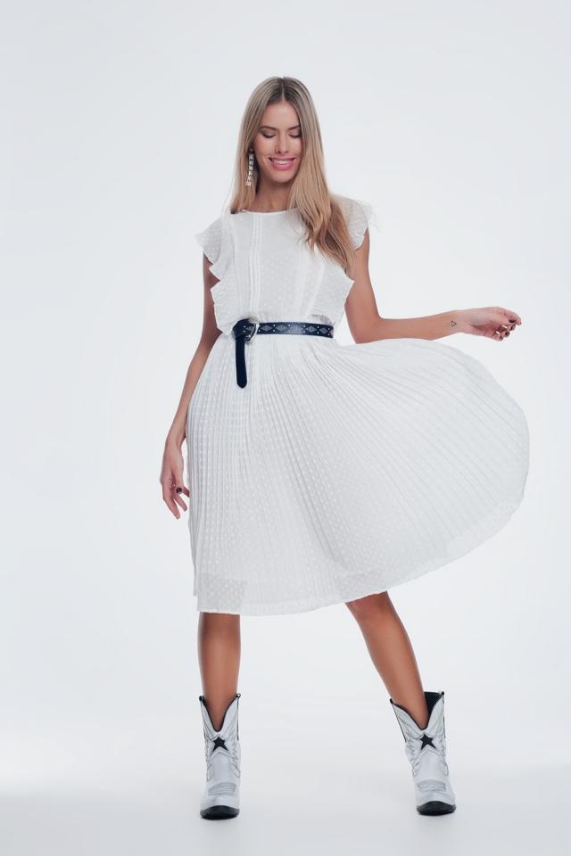 Gespikkelde midi-jurk met ruche in wit