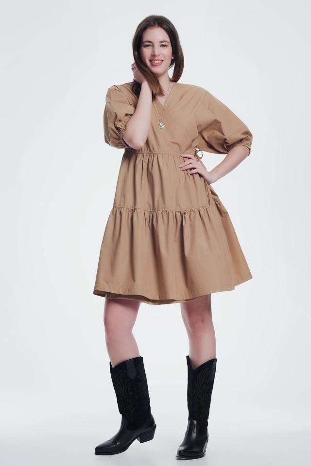 Wijde midi jurk met mouwtjes in het bruin