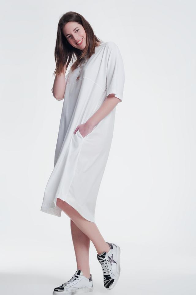 T-shirt-jurk met ronde hals in creme