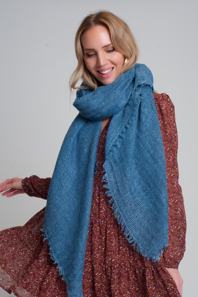 Lichtgewicht gebreide sjaal in blauw
