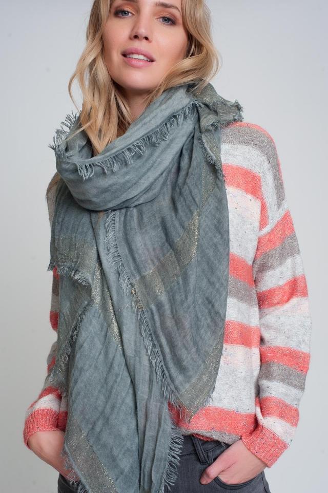 Lichtgewicht sjaal in grijs met gouden strepen