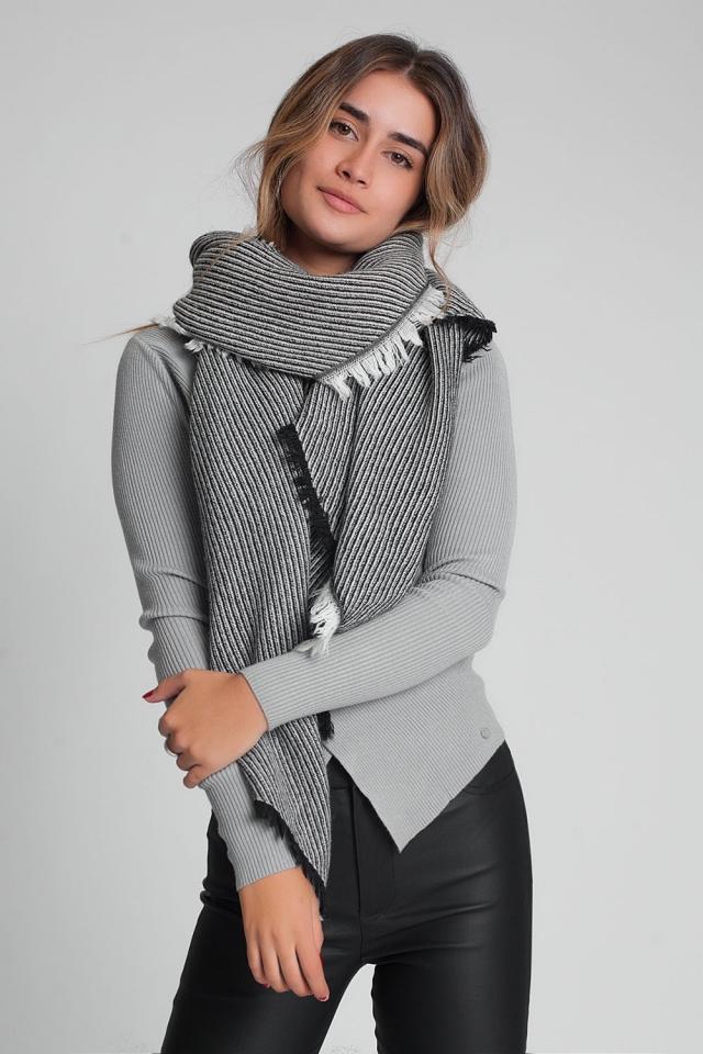 Oversized zwarte rafelige sjaal