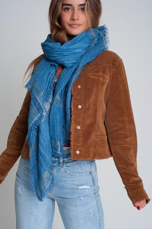 Lichtgewicht sjaal in blauw met goudkleurige strepen