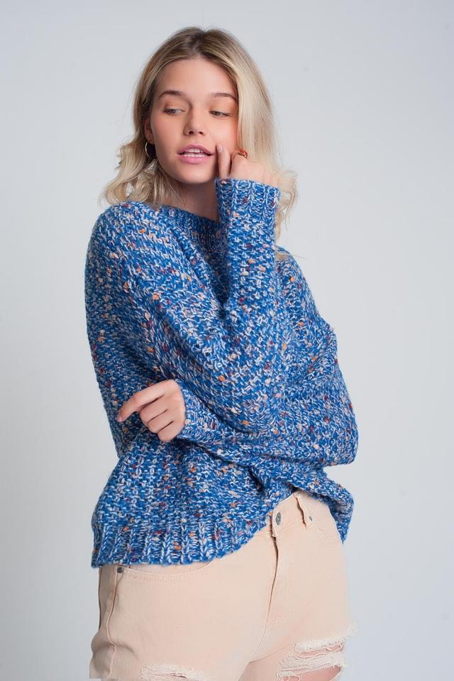 Dikke gebreide trui met blauw gemarmerd motief