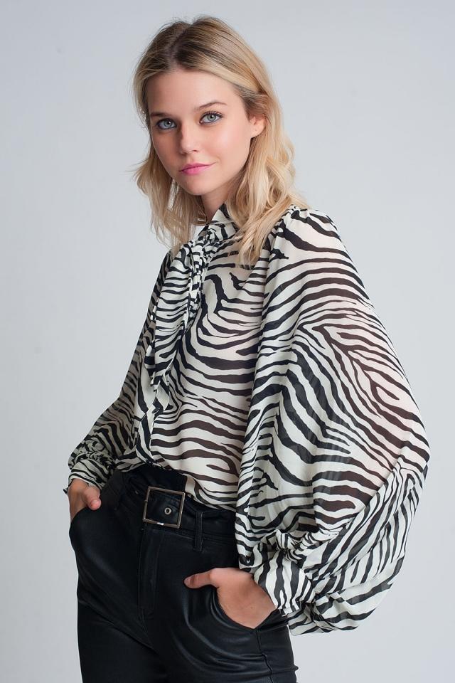 ruimvallend overhemd met volumnieuze mouwen in zebraprint