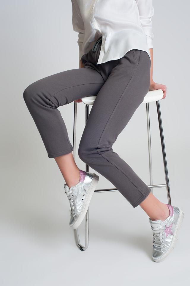 joggingbroek met rechte pijpen van katoen in het grijs