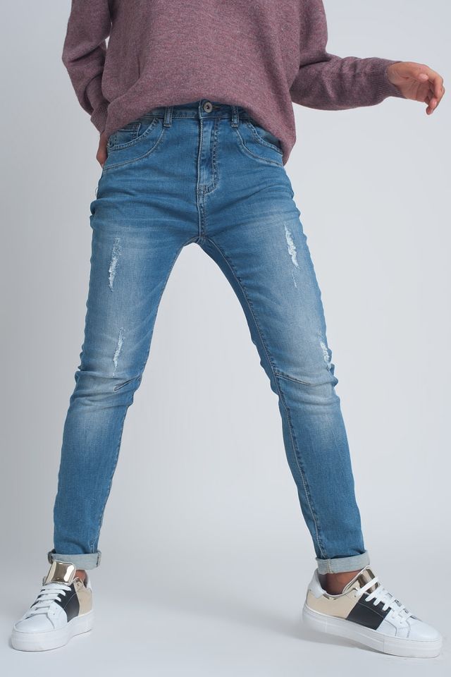 Boyfriend jeans van fijn denim met scheuren in mid wash